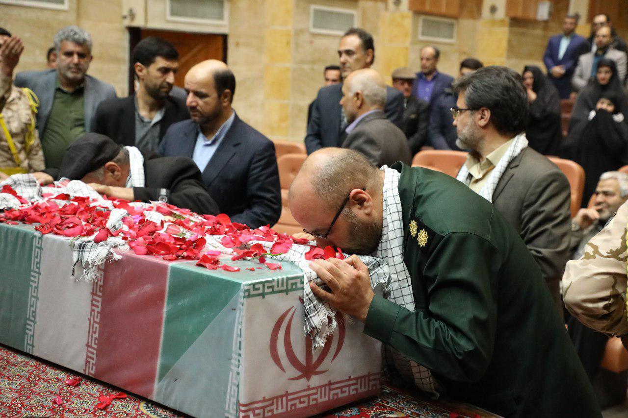 مراسم باشکوه مادران آسمانی با عطر دل انگیز شهدا در باقرشهر برگزار شد