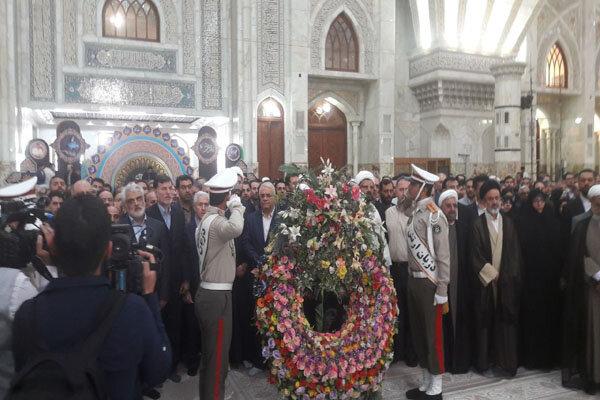 وزیر علوم و دانشگاهیان با آرمانهای امام راحل تجدید میثاق کردند